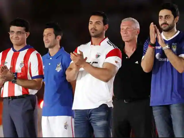 Celebrities Suporting Sports in India